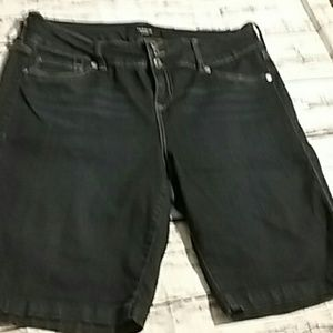 Torrid size 18 plus denim jean shorts high-rise